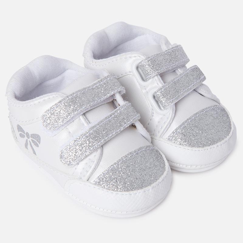 excepcional gama de estilos zapatos exclusivos disfruta el precio de liquidación Zapatilla deportiva en polipiel para bebé niña M.9807 Blanco Mayoral
